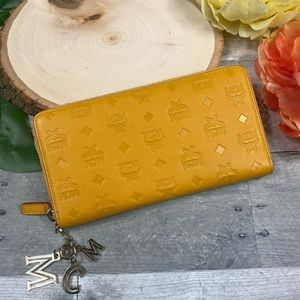 MCM klara zip around wallet viseto large mango